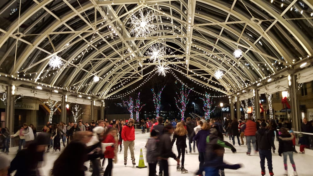 With over 500 pairs of skates ranging from toddler size 8 through men's size 13, Reston is inclusive of all levels of skaters, and offers their rentals in both figure and hockey styles. (Image: Courtesy Reston Town Center)<p></p><p></p>