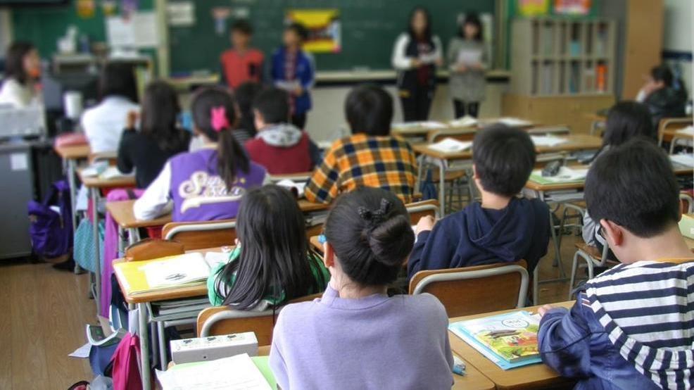 Students class room generic maybe middle school KOMO om.jpg