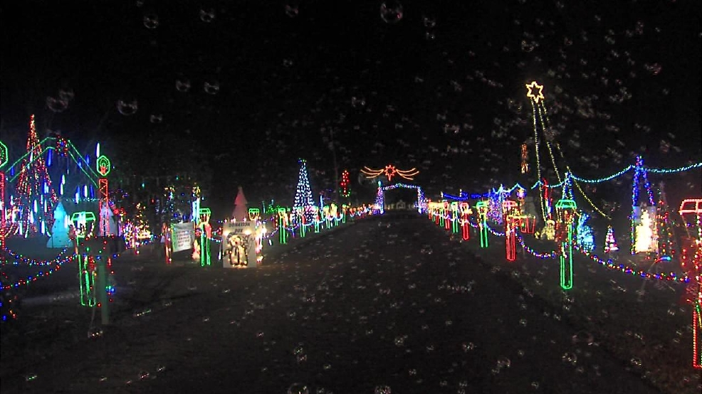 Christmas Light Fight.Arkansas Home Wins Abc S The Great Christmas Light Fight
