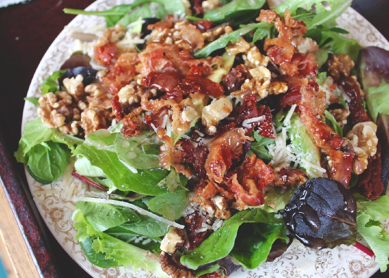 Uncle Billy: mixed greens, avocado, bacon, sun-dried tomatoes and Parmesan / Image: Rose Brewington