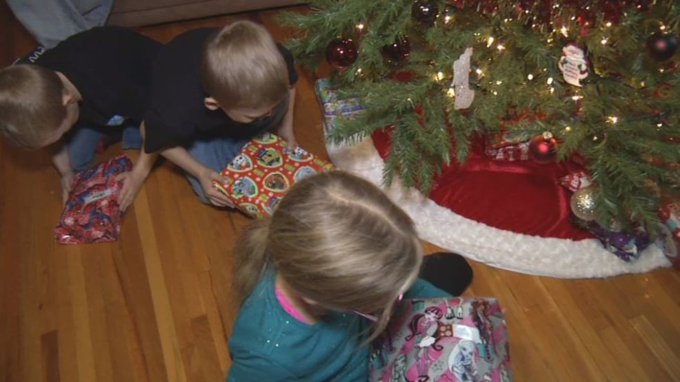 Toys For Tots Family Request : Family feels joy of christmas with toys for tots donations