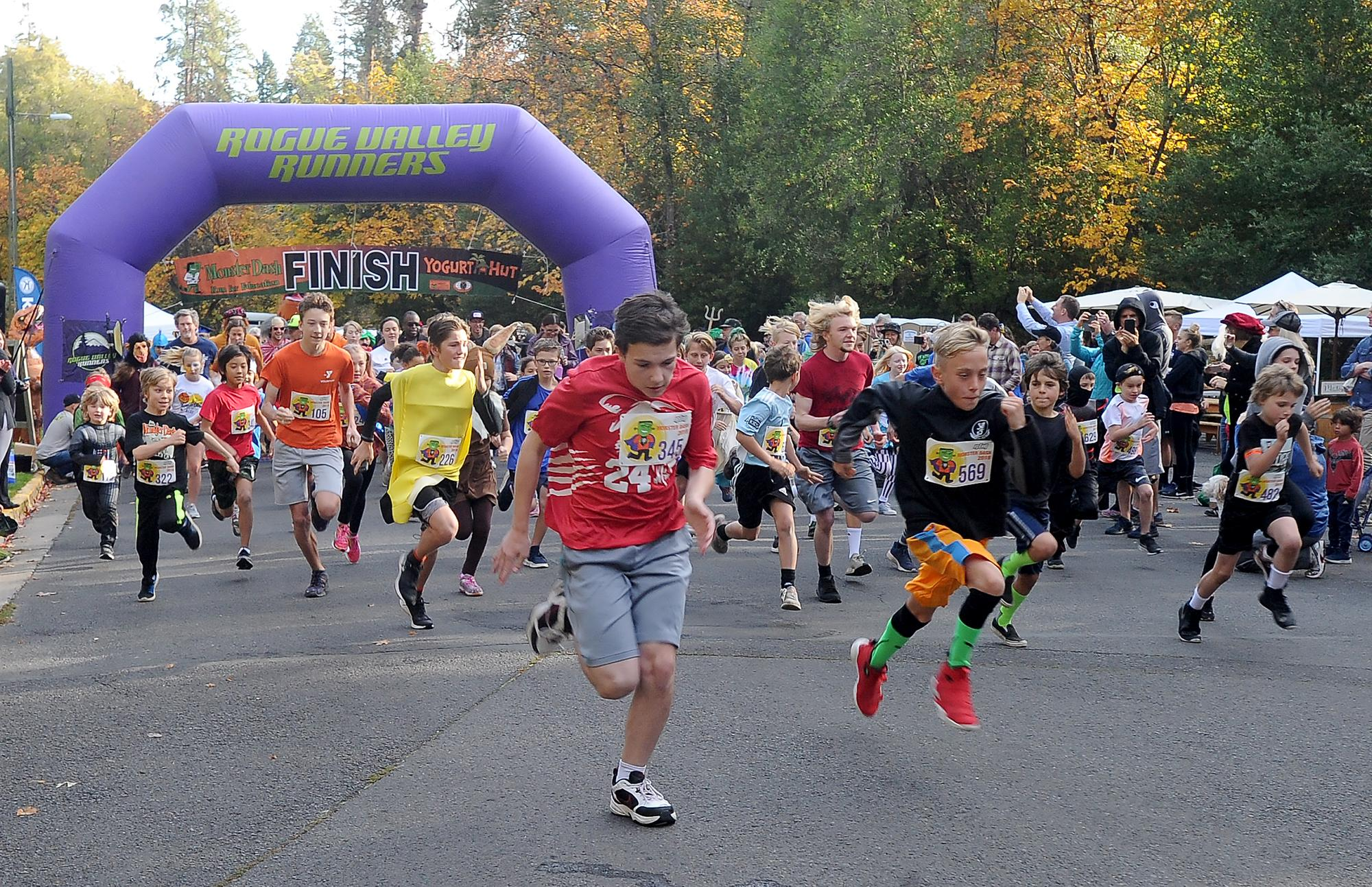 Runners pack the start of the 2k Monster Dash race benefiting the Ashland Schools Foundation Saturday in Lithia park. Photo by Denise Baratta