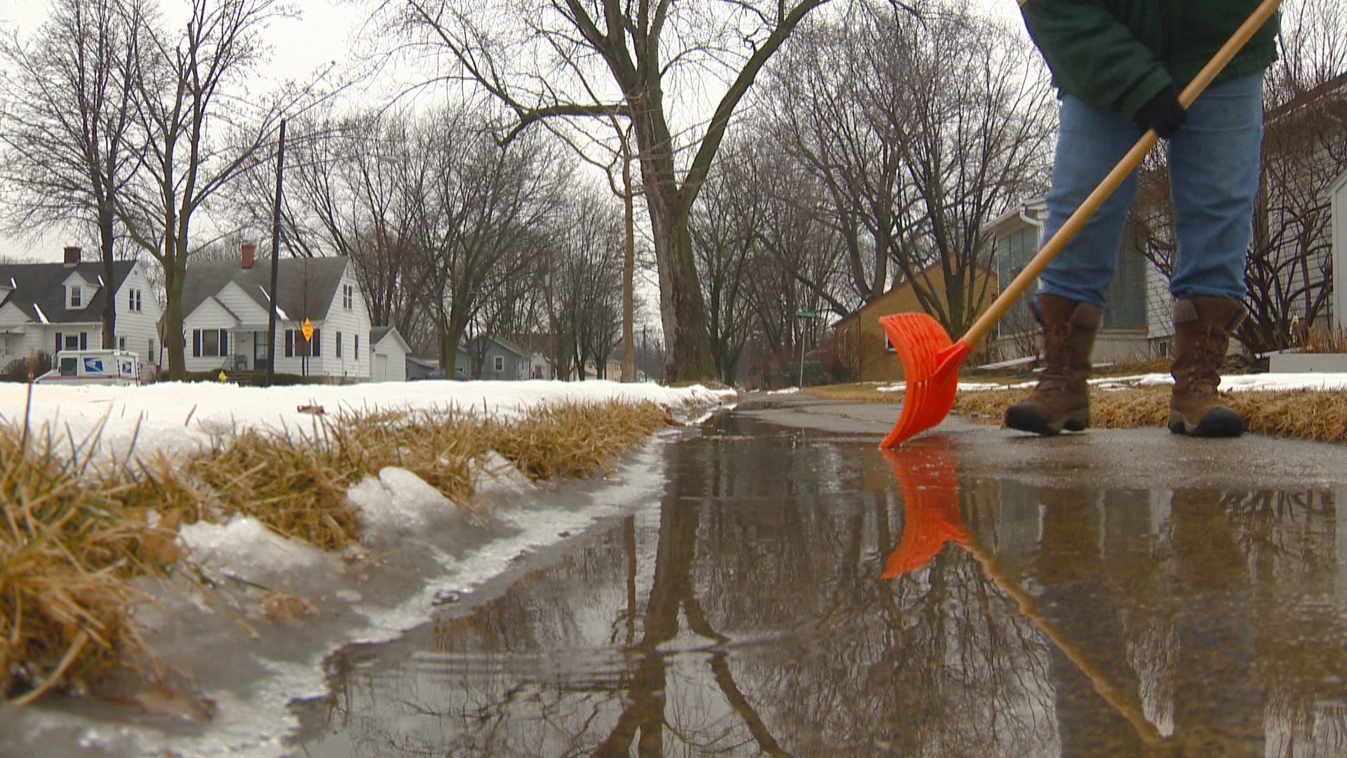 Aftermath of Winter Storm Brooks, February 20, 2018. (WLUK)