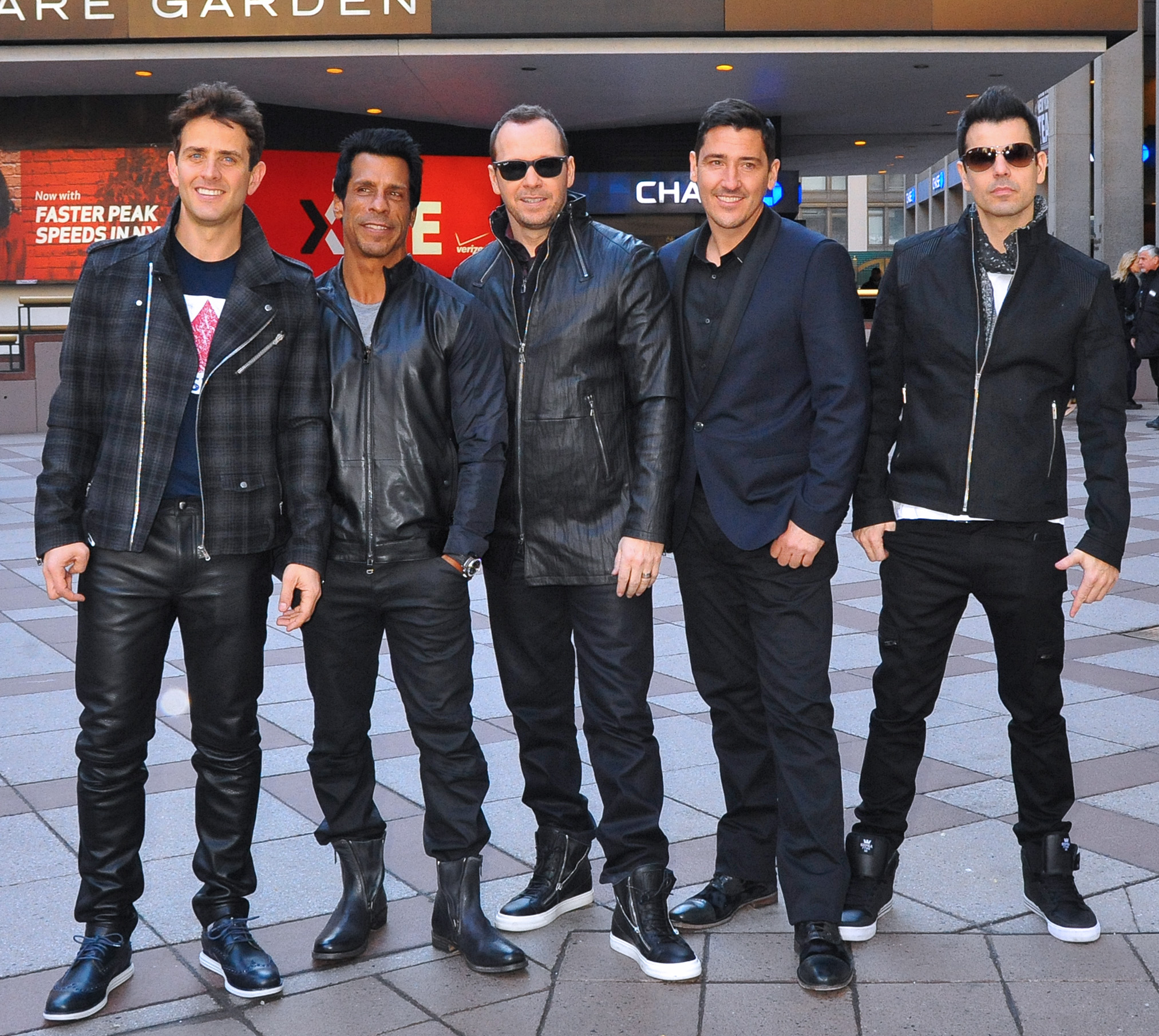 Donnie And Mark Wahlberg New Kids On The Block