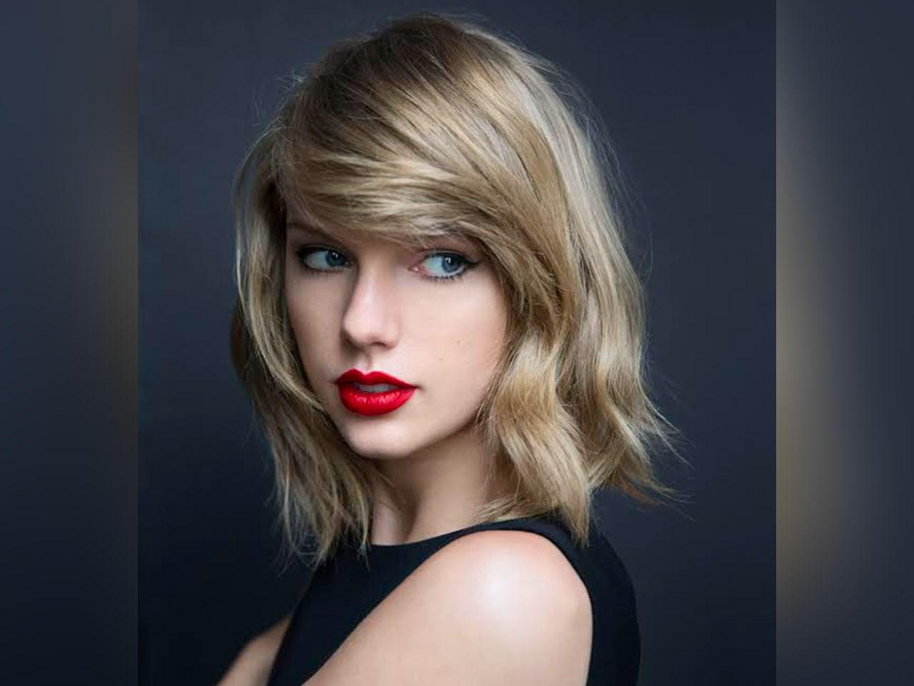 PHOTO: MGN/Taylor Swift/Facebook