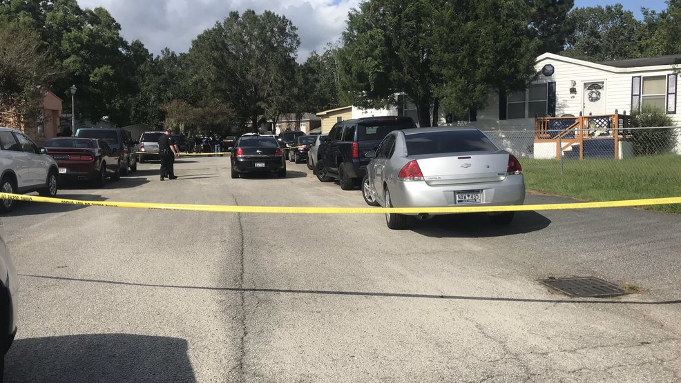 Corner identifies two men killed in North Charleston shooting, police investigating