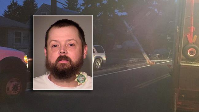 Police: DUII driver hits utility pole, knocks out power in SE Portland