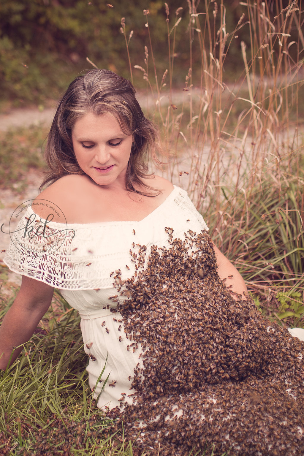 Photographer Kendrah Damis maternity shoot with friend, Emily Mueller,  a beekeeper and owner of Mueller Honey Bee Company near Akron. (Kendrah Damis Photography)