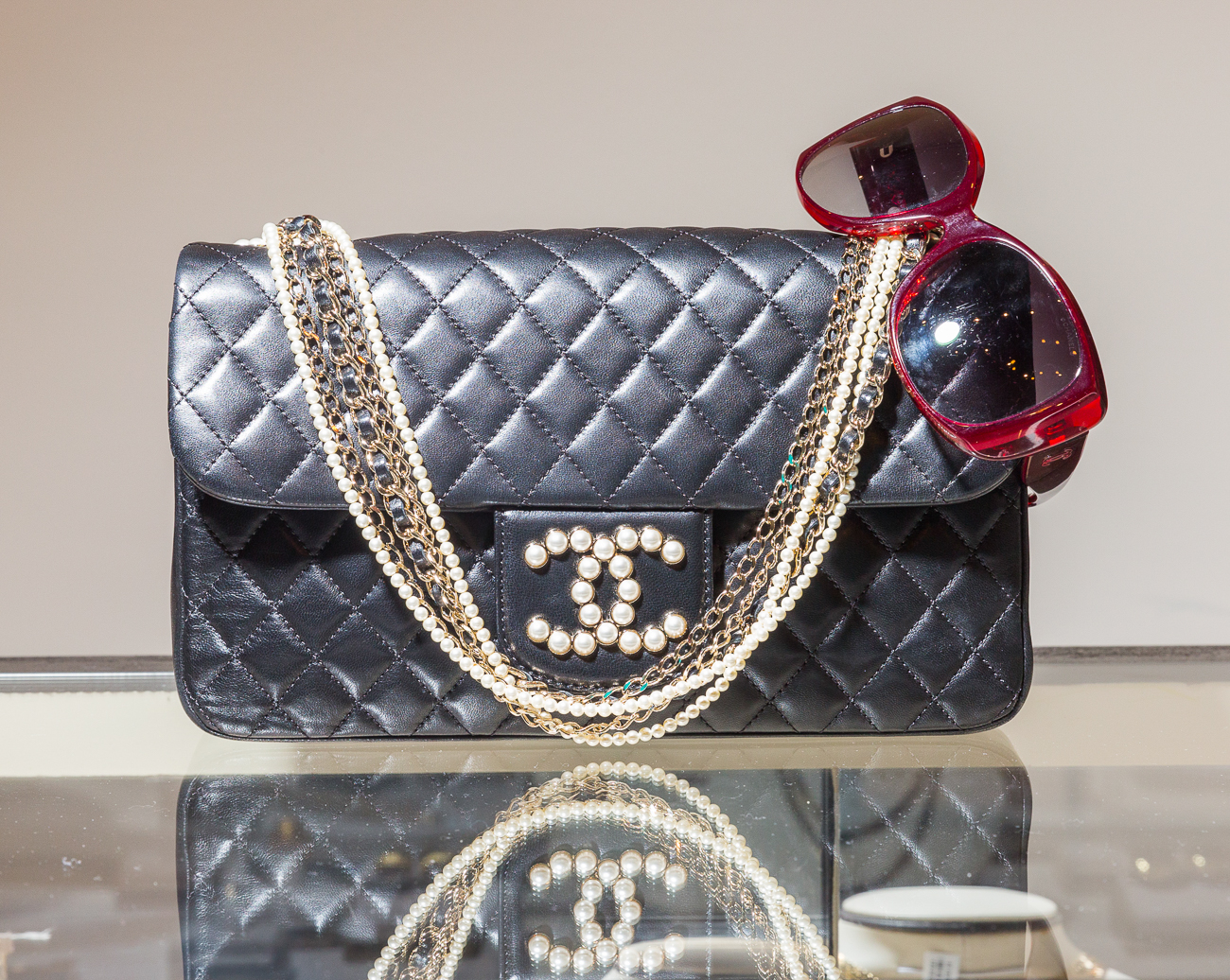 Examples: A name brand hand bag that retails for $200 looks as good as new, but sells for $85. A black satin bar clutch with gold-tone hardware originally costs $1,590, but is discounted to $750. For those looking to add high-end fashion to their ensemble for less, ShopJacobJames is worth perusing. / Image: Ross Van Pelt of RVP Photography // Published: 6.19.19