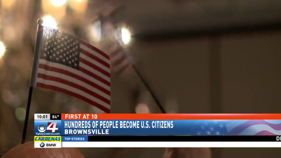 Hundreds become US citizens at naturalization ceremony in