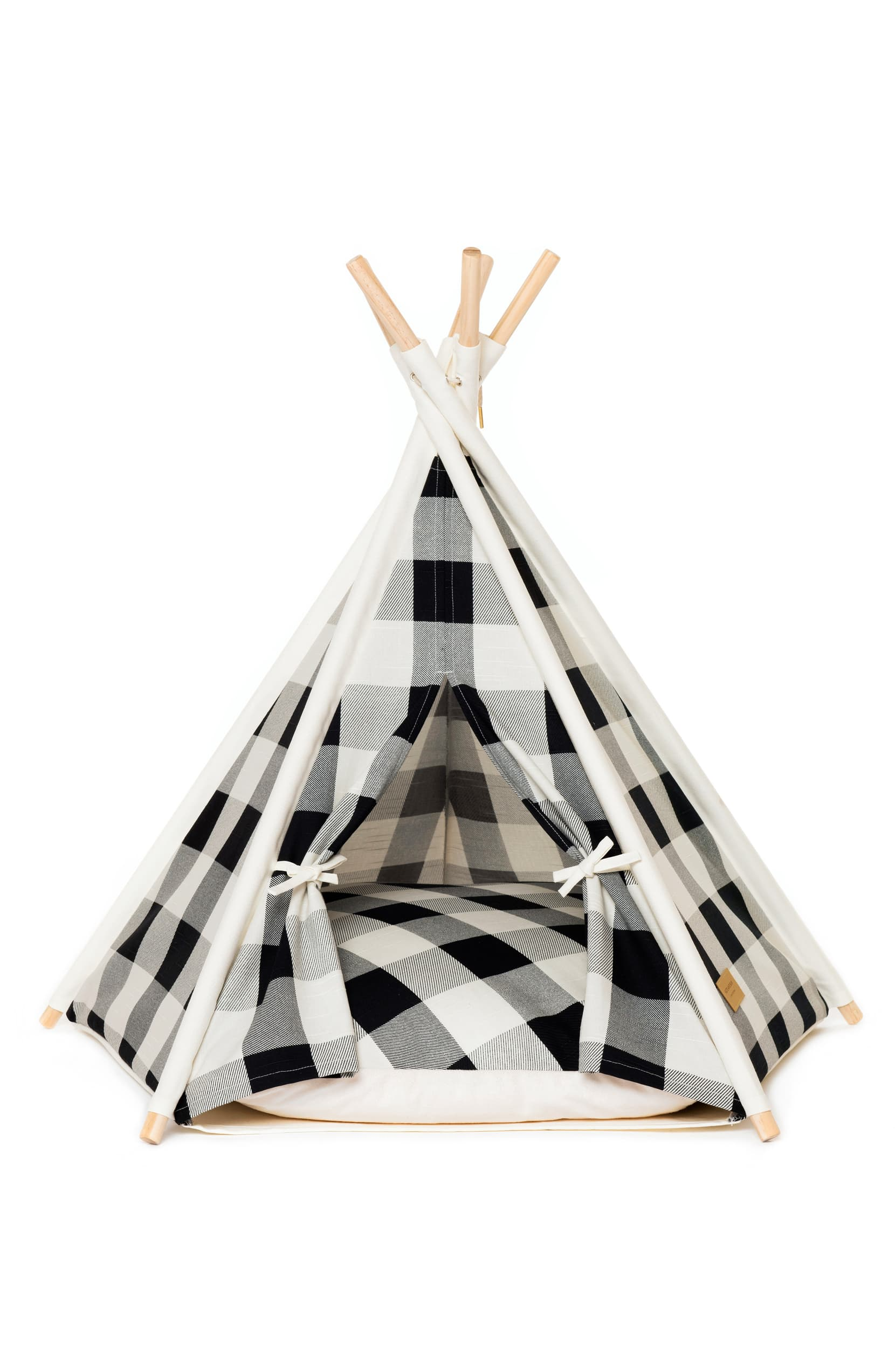 "<a  href=""https://shop.nordstrom.com/s/huts-and-bay-pet-teepee-tent/5385589?origin=keywordsearch-personalizedsort&breadcrumb=Home%2FAll%20Results&color=black%2F%20white"" target=""_blank"" title=""https://shop.nordstrom.com/s/huts-and-bay-pet-teepee-tent/5385589?origin=keywordsearch-personalizedsort&breadcrumb=Home%2FAll%20Results&color=black%2F%20white"">Pet Teepee Tent by HUTS AND BAY ($136.00)</a>{&nbsp;}Smart gingham checks give fresh, playful style to a charming canvas teepee that makes the perfect indoor sanctuary for your furry friend. (Image: Nordstrom){&nbsp;}"