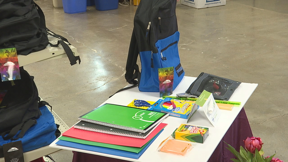 Tom S Of Maine Teamed Up With The Kids In Need Foundation To Donate 1 000 Backpacks Full School Supplies Students Rochester Area Wham Photo