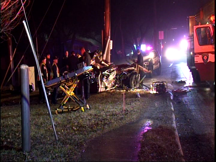 Firefighters cut woman out of car after she crashes into utility pole (SBG San Antonio)