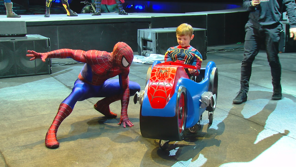 Spider Man Visits Elsmere 6 Year Old In Wheelchair Wkrc