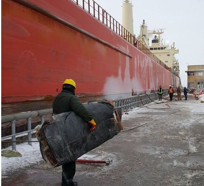 Freighter freed from ice (Provided by{&amp;nbsp;}St Lawrence Seaway Development)<p></p>