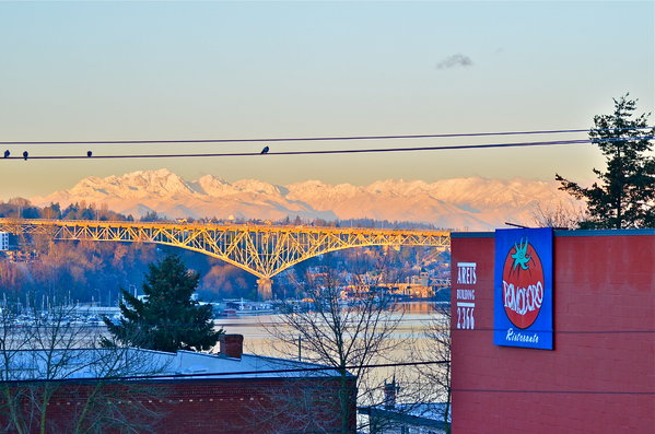 Olympic Mountains from Eastlake (Photo: YouNews contributor: stixjess)