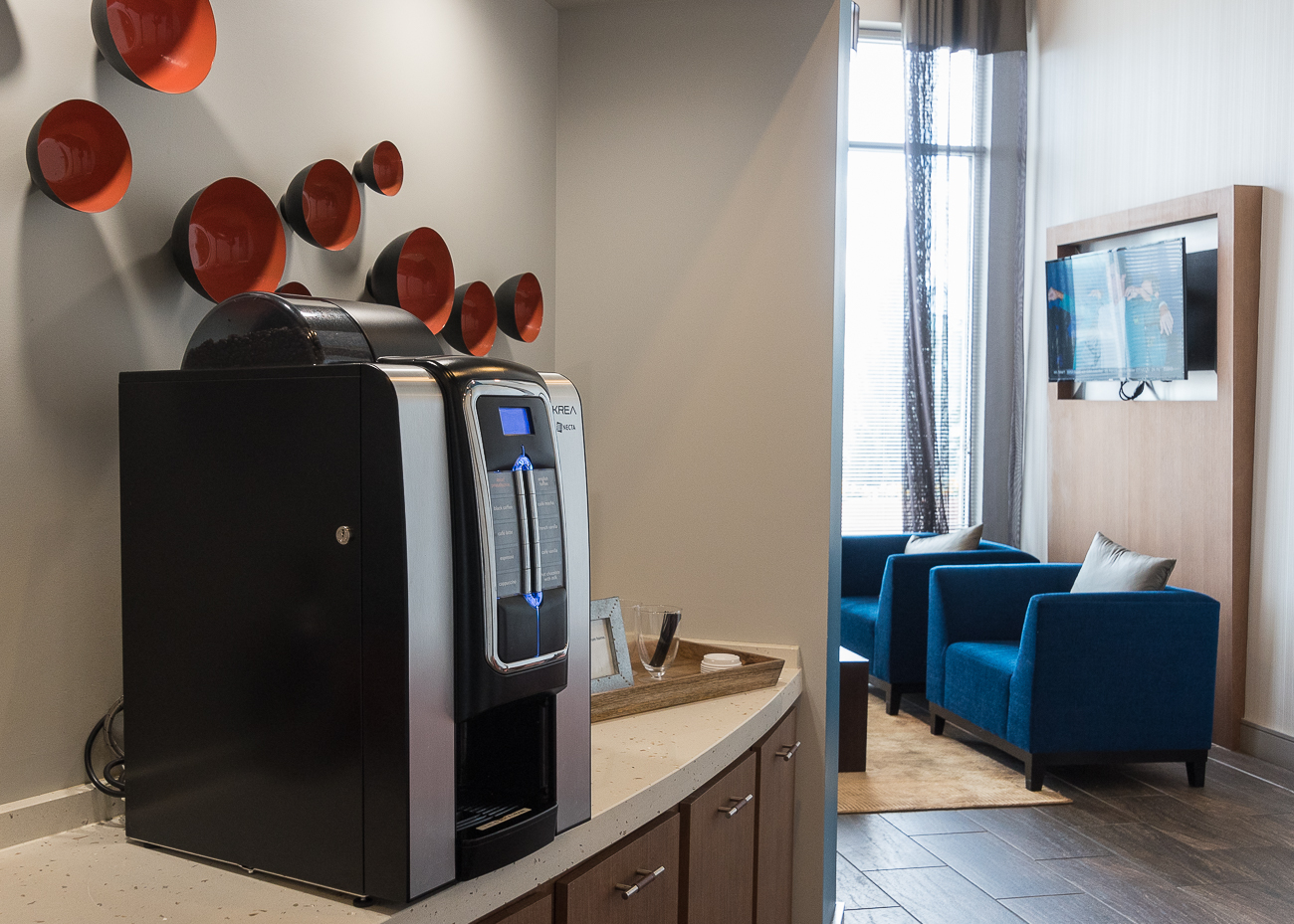 The cyber cafe and lounge with complimentary coffee machine / Image: Phil Armstrong, Cincinnati Refined // Published: 4.12.18