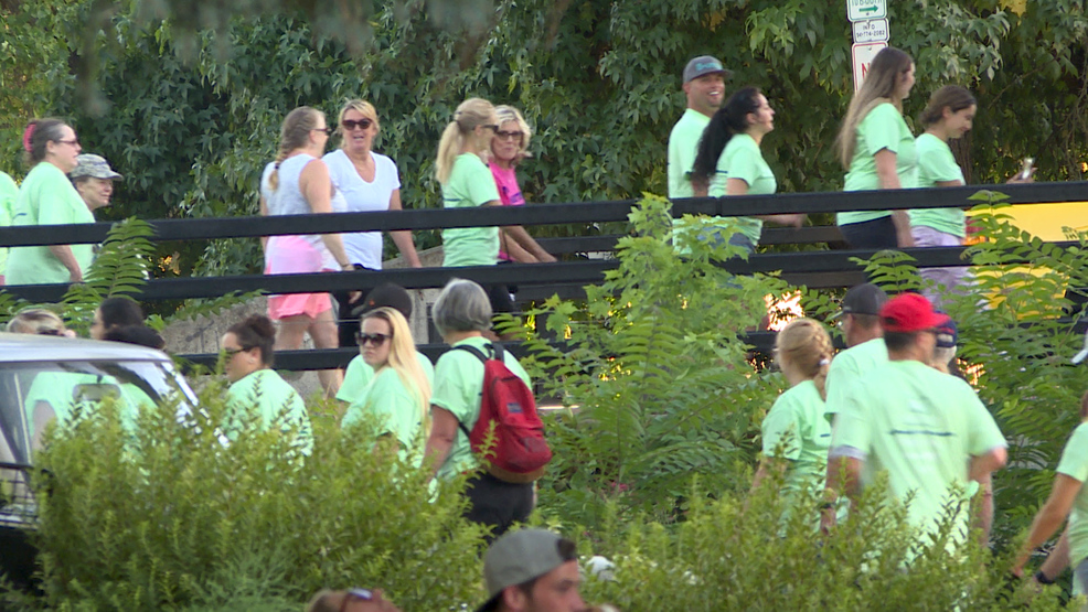 Southern Oregon residents walk together for addiction recovery