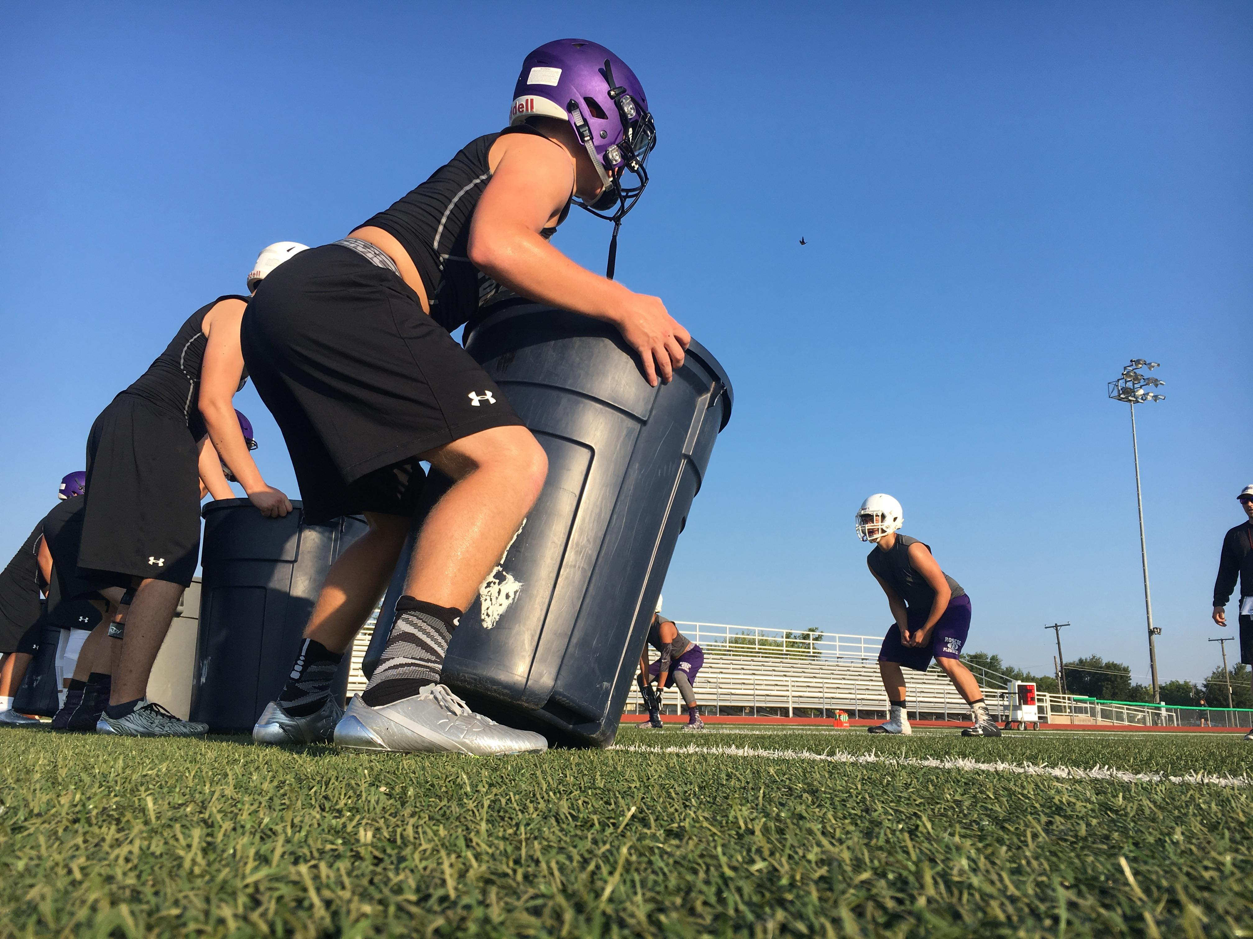 DAY 3: High school football practice -- Roscoe High School (Photos by Chris Wilner& Evan Nemec)