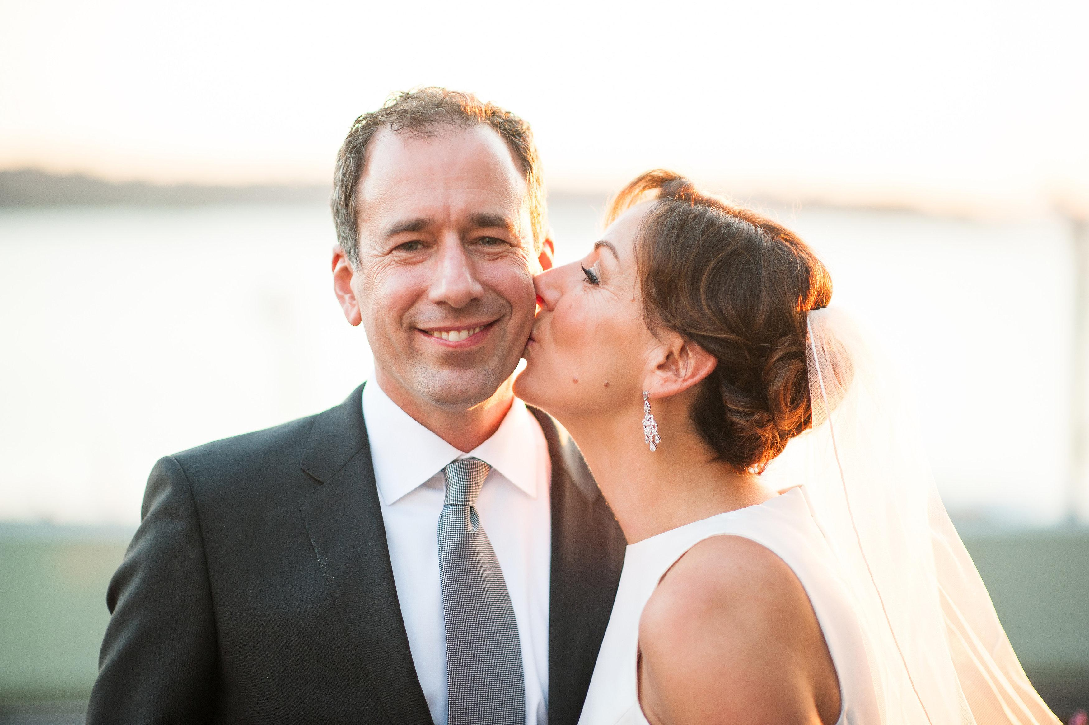 <p>Emelie and Dominik got married on October 5th, 2015 with the beautiful backdrop of Beecher's Loft in Pike Place Market with their reception at Axis in Pioneer Square. The couple and Barbie Hull strolled around Pike Place Market to capture the beautiful images you are about to indulge yourself in! (Image: Barbie Hull Photography)</p>