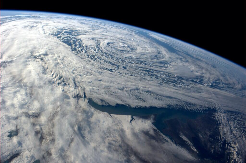 Passing storm dumps snow on southern Argetina (Photo & Caption: Reid Wiseman, NASA)