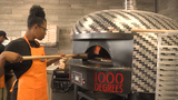 1000 degrees restaurant opens in Butler Plaza: customers line up for free pizza