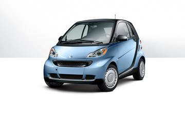 Federal probe finds 27 engine fires in tiny Smart cars