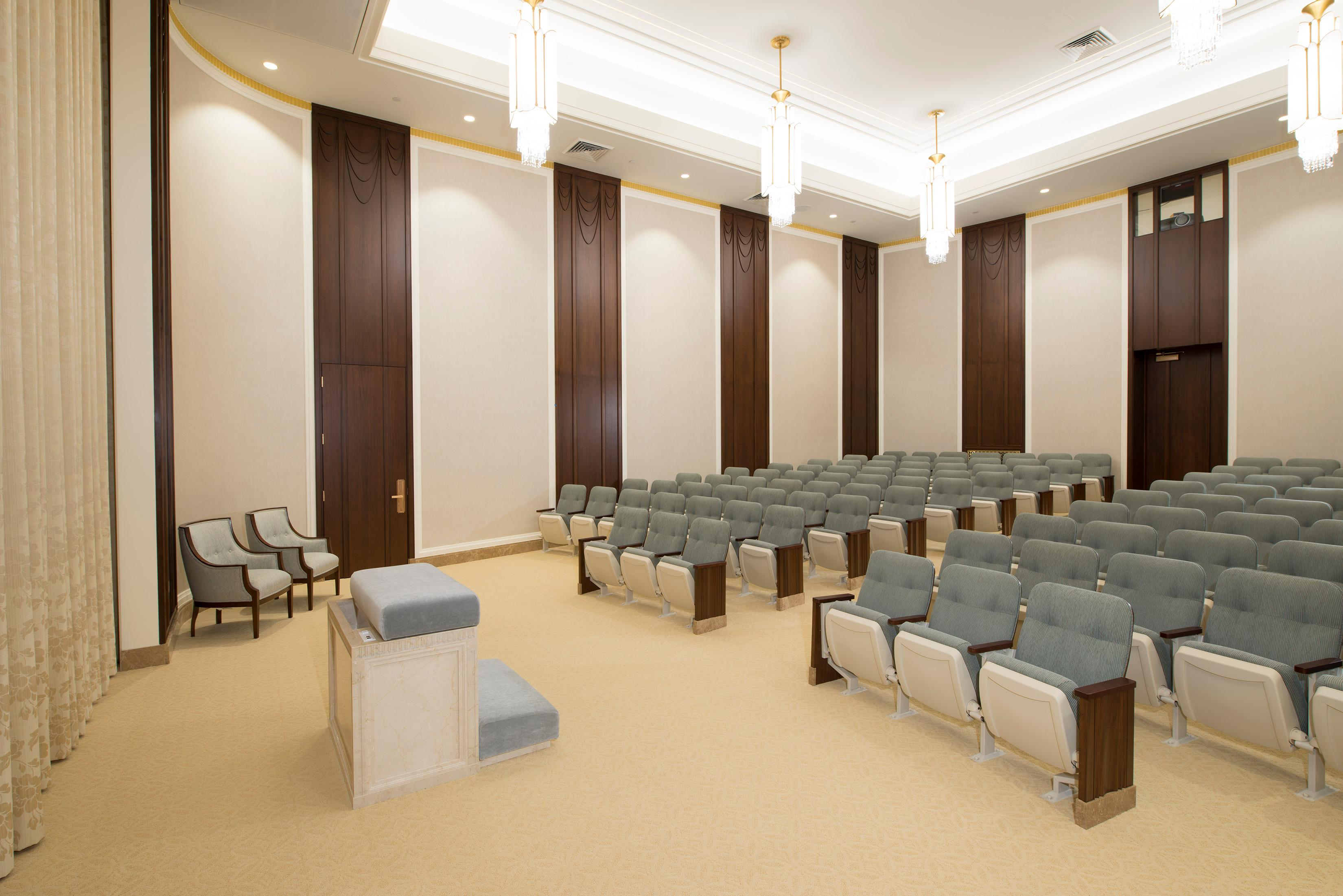 An instruction room in the Jordan River Utah Temple. ©2018 BY INTELLECTUAL RESERVE, INC. ALL RIGHTS RESERVED.