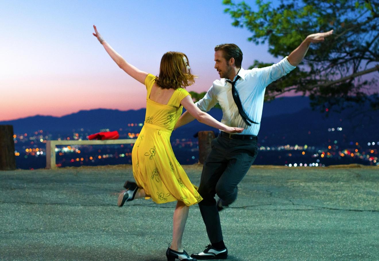 Box Office Top 20: \'Moana\' tops \'Office Christmas Party\'   KTVL