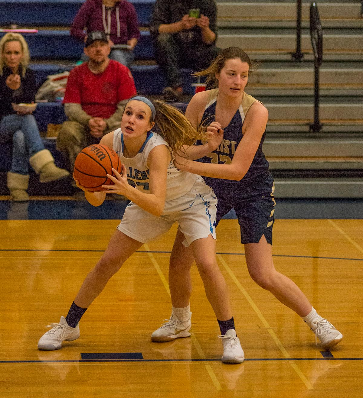 The Springfield Millers handed the Marist Spartans their first conference loss of the season, 40-37. Both Springfield and Marist are now tied for 1st place in the Midwestern League. (Photo courtesy of Dan Morrison, Oregon News Lab).