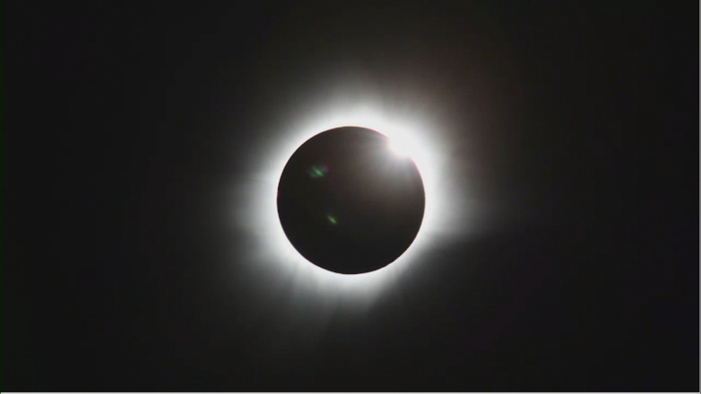 Illinois town beats astronomical odds to get 2 total solar eclipses