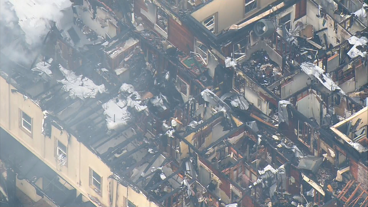 Fire burned the Heritage Building in downtown Auburn Tuesday, Dec. 26, 2017. (Photo: KOMO News/Air 4)<p></p>