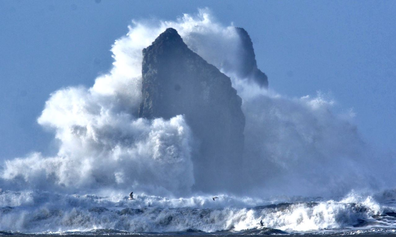 Jay Cline took this photo of high surf in LaPush.<p></p>