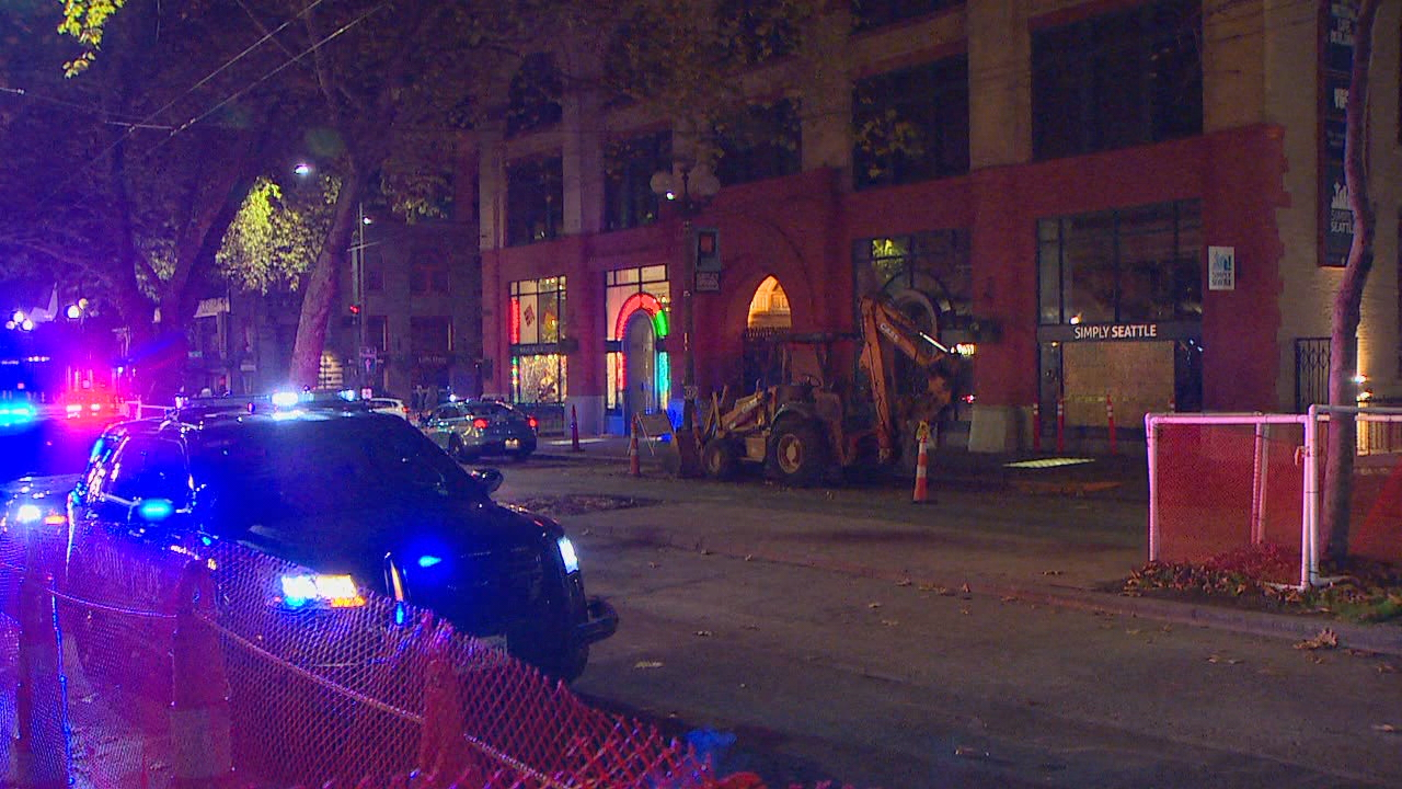 Seattle Police investigate a shooting in Pioneer Square (KOMO Photo)