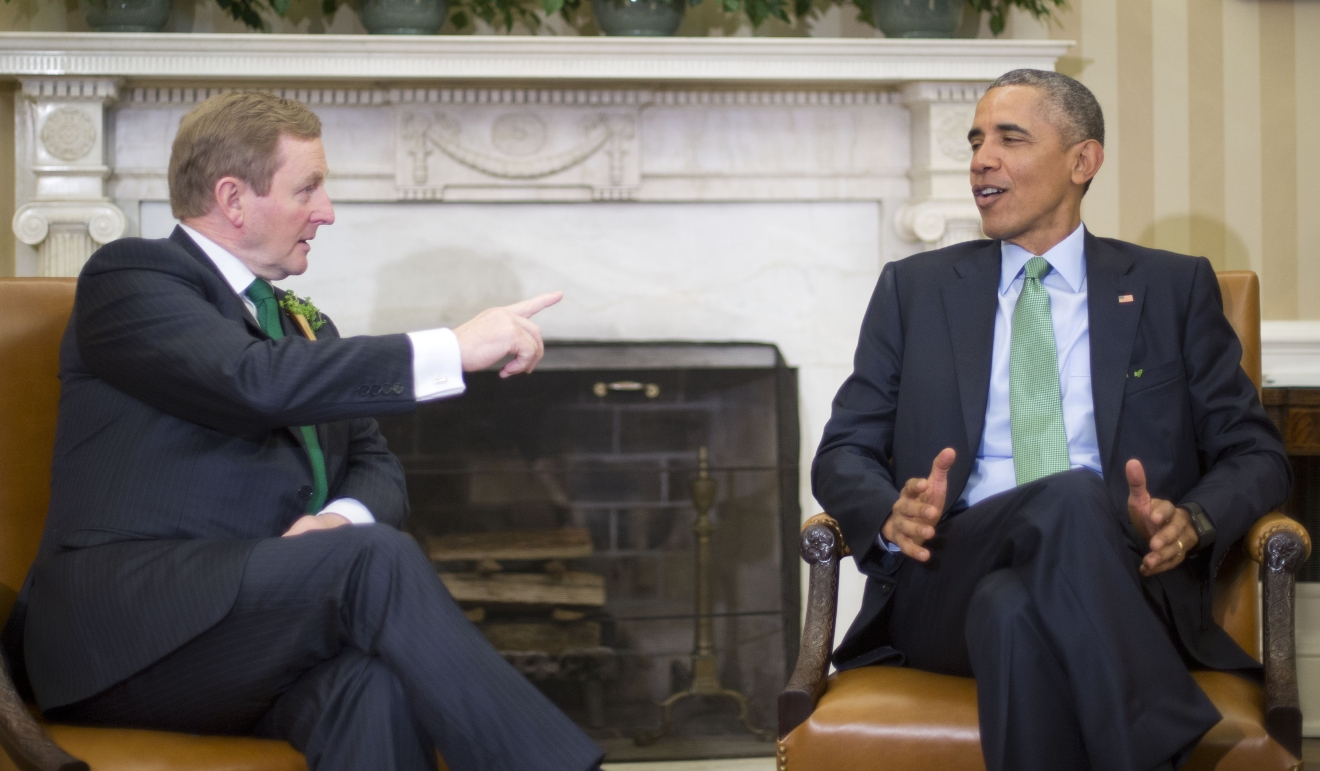 President Barack Obama, right, meets with Irish Prime Minister Enda Kenny, left, in the Oval Office of the White House in Washington, Tuesday, March 15, 2016. (AP Photo/Pablo Martinez Monsivais)