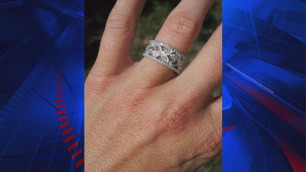 Woman loses wedding ring at local grocery store KPTM