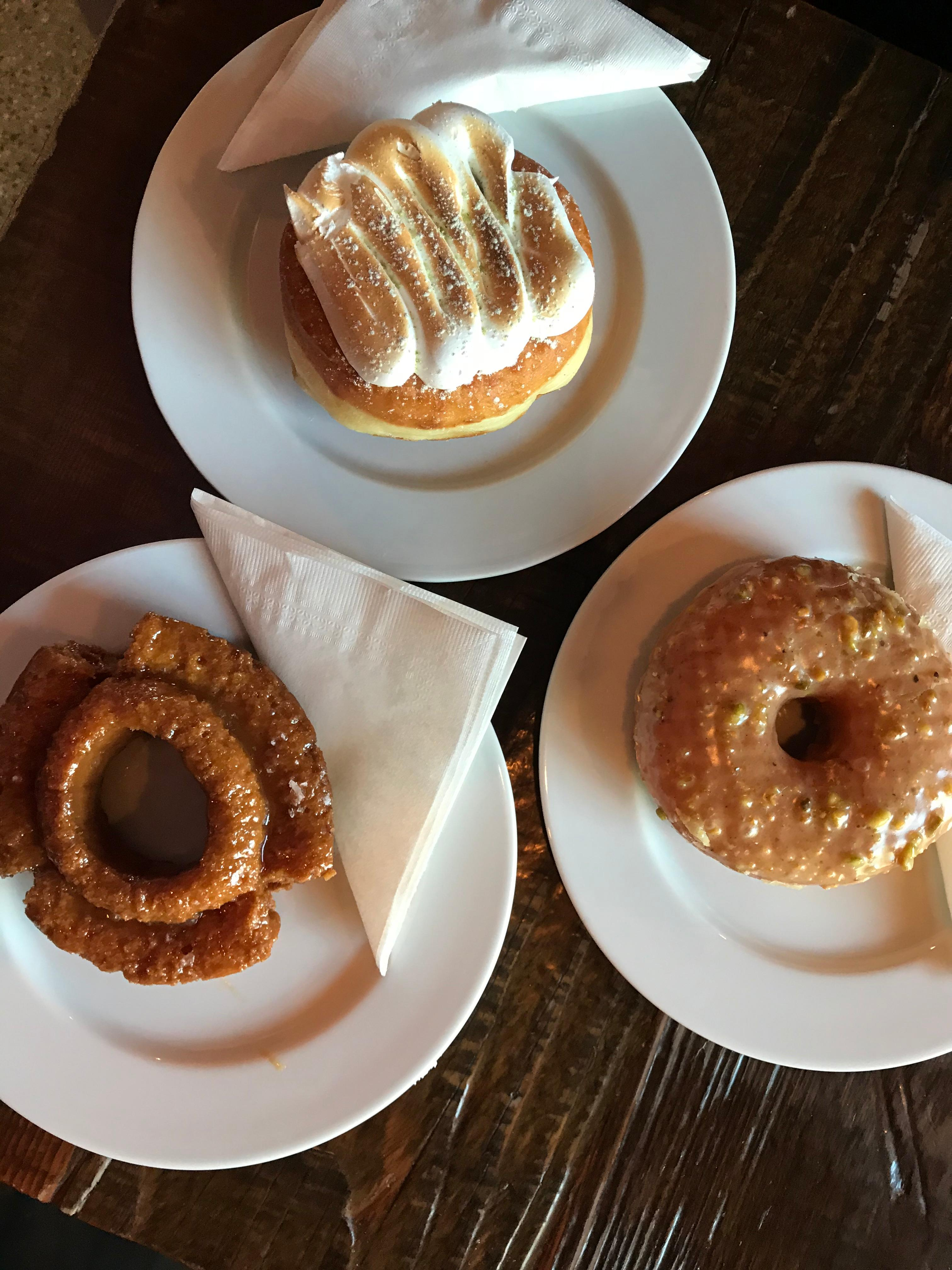 <p>Cross the Canadian border and donuts become doughnuts. They also become extra fabulous at Lucky's! (Image: Gretchen Bossio / Seattle Refined)</p>