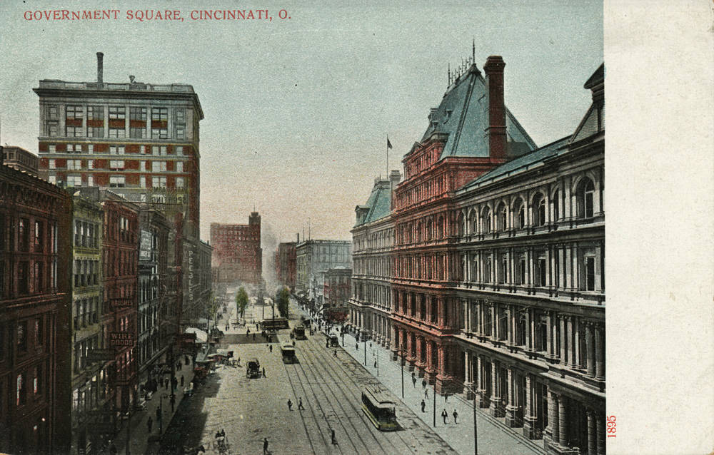 A postcard published by A.C. Bosselman and Co. depicts Government Square. The view looks west toward Fountain Square. / From the collection of the Public Library of Cincinnati and Hamilton County - Clyde N. Bowden postcard collection / Image courtesy of the Public Library of Cincinnati and Hamilton County // Published: 9.27.18
