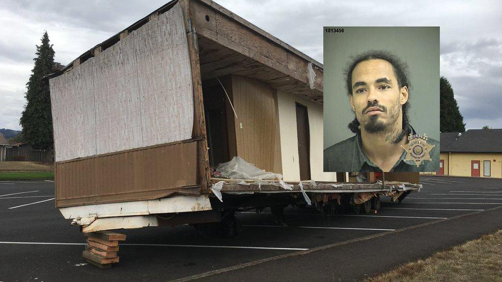 Derek Conley Booking Photo And Photo Of Double Wide Courtesy Washington  County Sheriffu0027s Office
