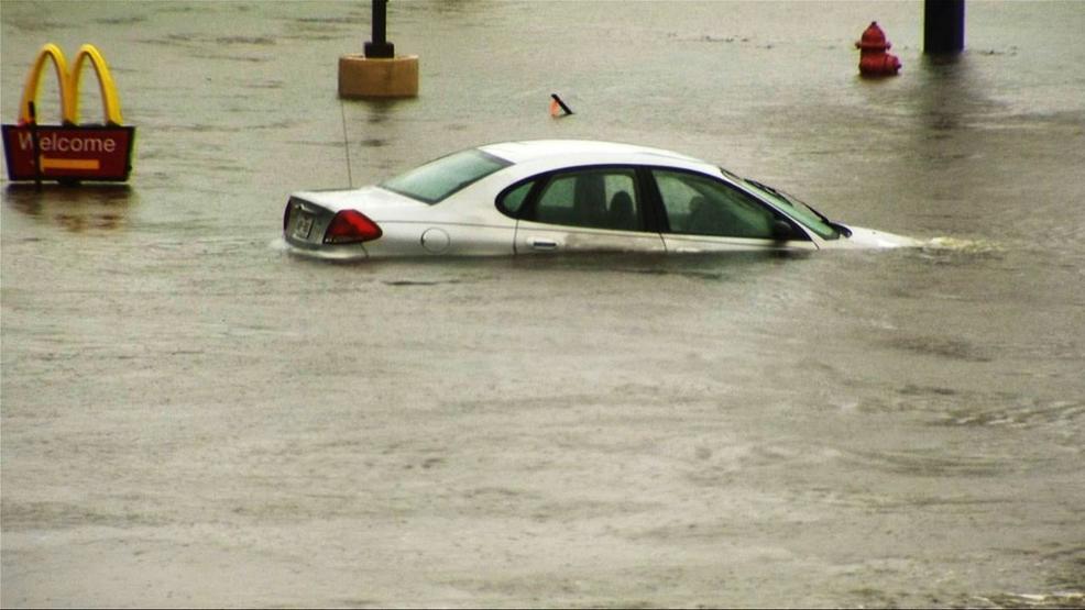 flood damaged cars heading to tennessee wztv. Black Bedroom Furniture Sets. Home Design Ideas