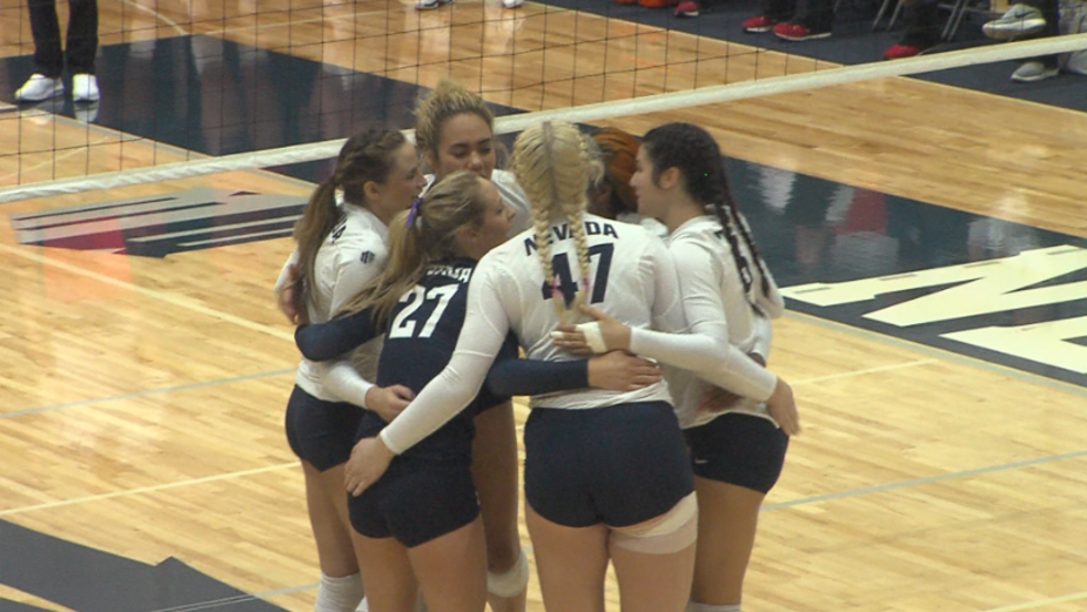 nevada volleyball huddle.PNG