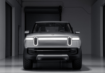 Rivian R1T all-electric pickup revealed
