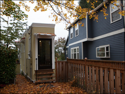 Seattles tiny house built out of spite sold KBOI