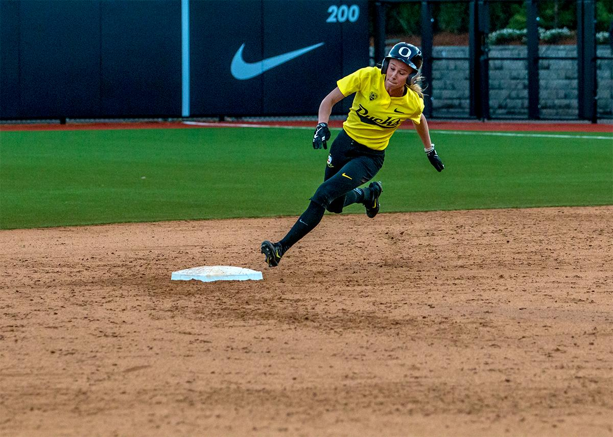 Photos: Ducks Softball wins, prevent Sun Devils from ...