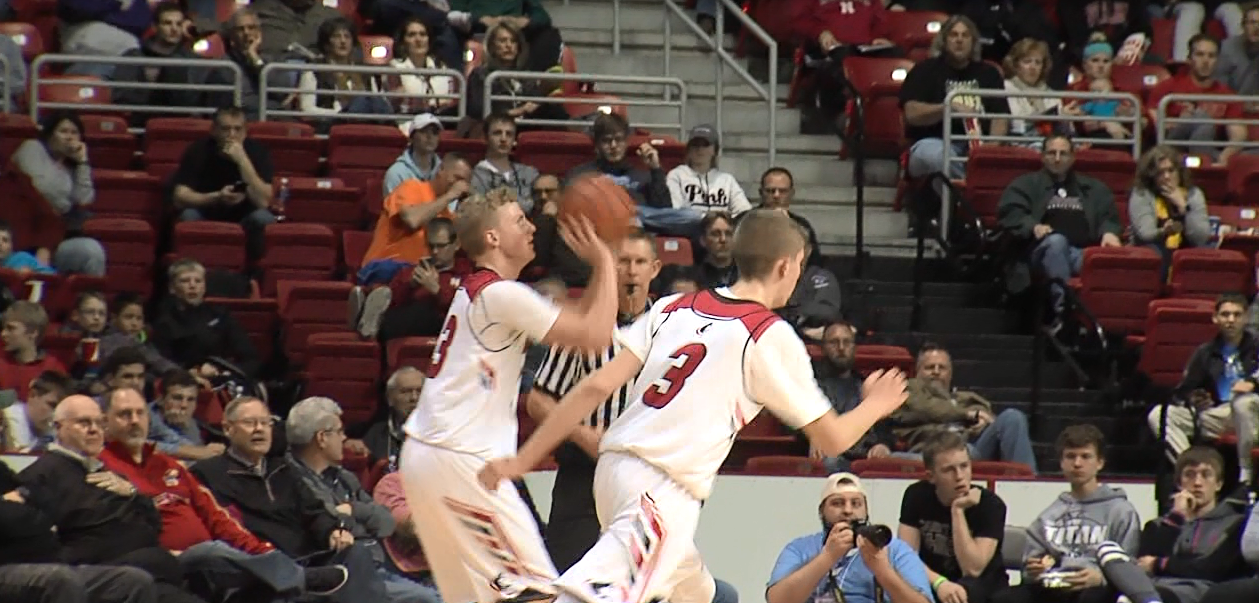 Aurora's Henry Penner prepares to shoot a 3 pointer in a game last year for the Huskies. (NTV News)