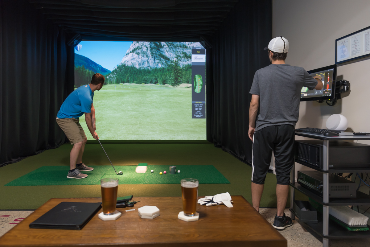 Swing 365, a virtual reality golf center, hosted a happy hour event on Thursday, June 15. The facility has 10 high-definition golf simulators, where people can play a round of virtual golf on some of the most famous courses in the world. The bays (aka simulators) are rented by the hour, with the private bays renting at $45/hr and the open bays at $30/hr. The facility, which is located in West Chester, also has a full-service bar & restaurant. ADDRESS: 6088 West Chester Road (45069) / Image: Sherry Lachelle Photography // Published: 6.16.17