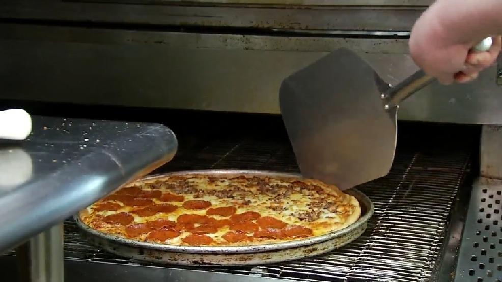 Fast Food Restaurants That Have A School Pirit Night