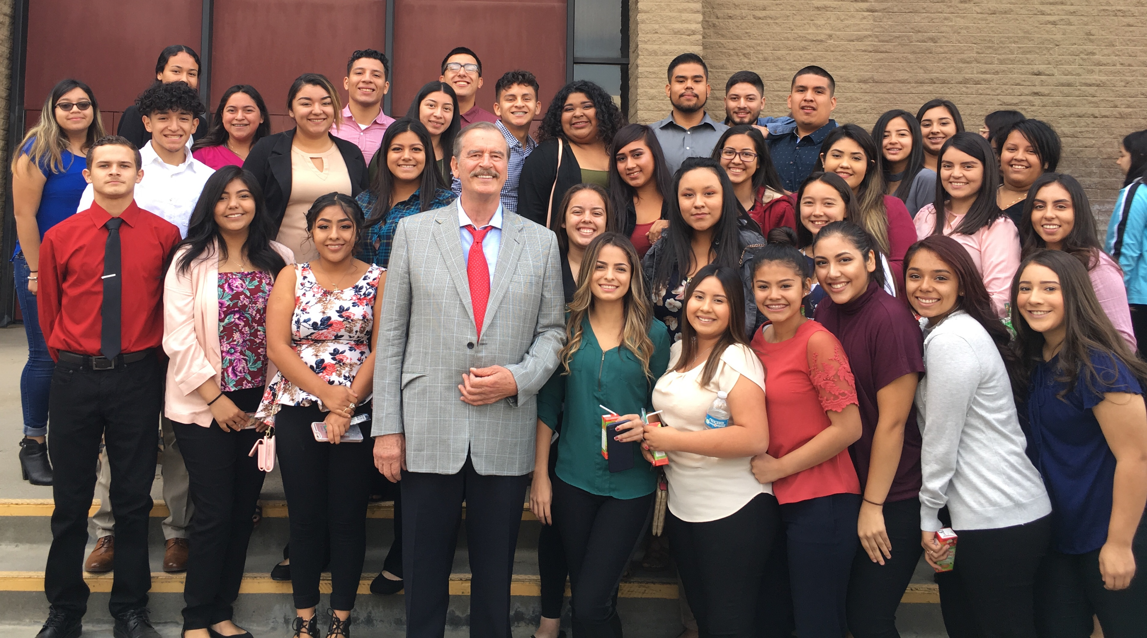 Former Mexican President Vicente Fox met with students from Lindsay High School following his speech. More than 700 students heard the former dignitary's speech.<p></p>